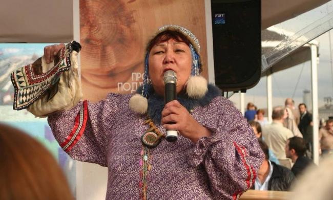 Ольская сказительница Чина Моторова удостоена литературной премии имени Юрия Рытхэу