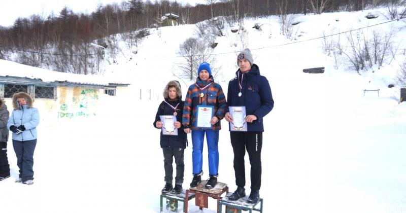 На склонах РГШ-Магадан  прошли соревнования школьников