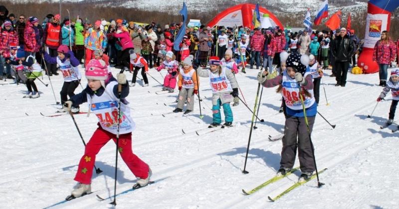 Лыжный апрель: в Магадане в этот месяц пройдут десятки соревнований любителей зимних видов спорта