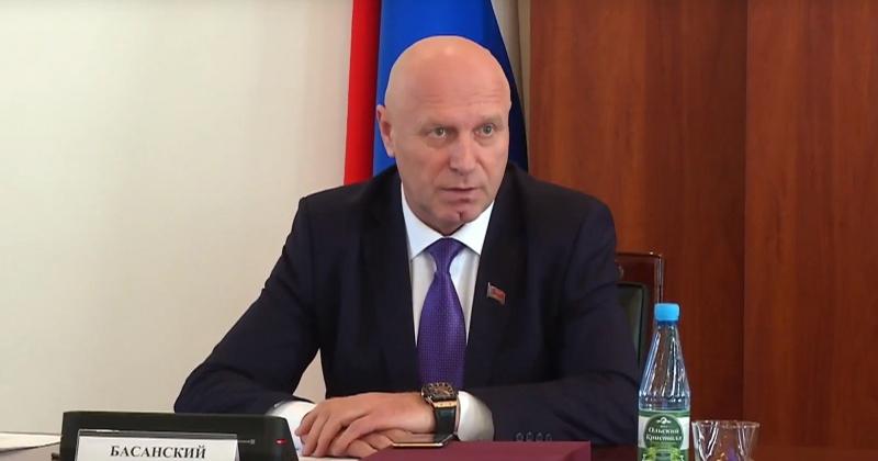 Александр Басанский и Сергей Замараев приняли участие в подведении итогов сотрудничества с Фондом социального партнерства Магаданской области