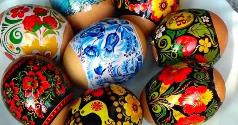 В Великую Субботу, с 12.00 до 20.00 в Свято-Троицком кафедральном соборе г. Магадана будет совершаться освящение пасхальных яств - куличей и яиц