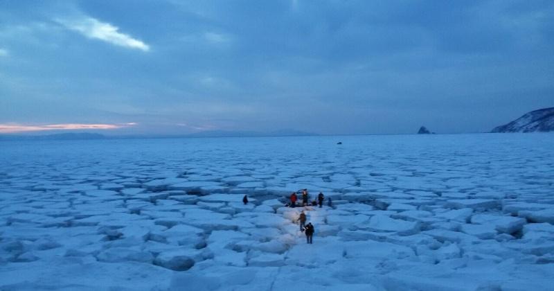 Управление по делам ГО и ЧС мэрии Магадана предупреждает горожан о запрете выхода и выезда на лед бухт Гертнера и Нагаева