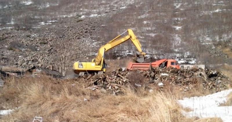 353 самовольные постройки планируют снести до конца года в Магадане