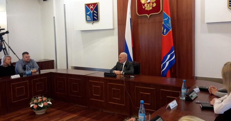 Владимир Печеный досрочно оставил пост губернатора Магаданской области,  но остается работать на Колыме.