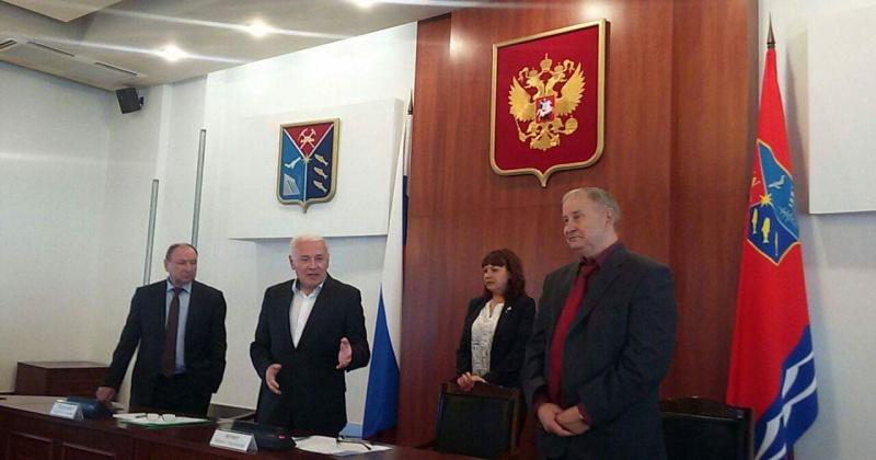 Магаданские профсоюзы поблагодарили экс-губернатора Владимира Печеного за сотрудничество