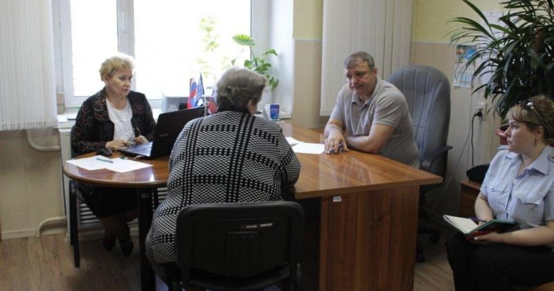 Жители Омсукчанского городского округа встретились с главным федеральным инспектором по Магаданской области Романом Аничиным