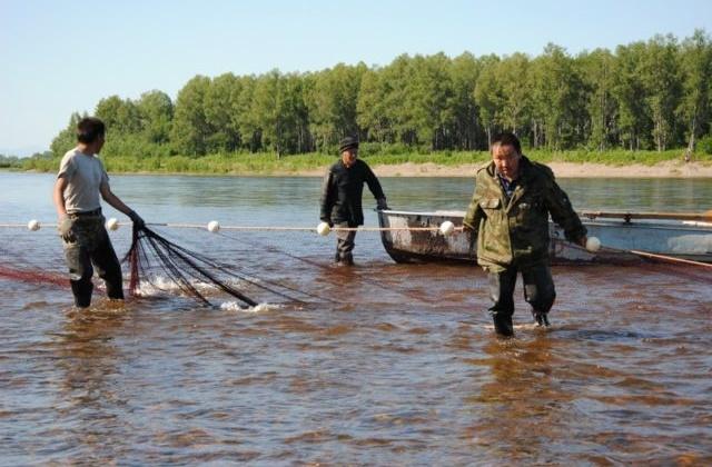 Представители КМНС Магаданской области обсудили с заместителем руководителя Росрыболовства Михаилом Иваником проблемы традиционного рыболовства
