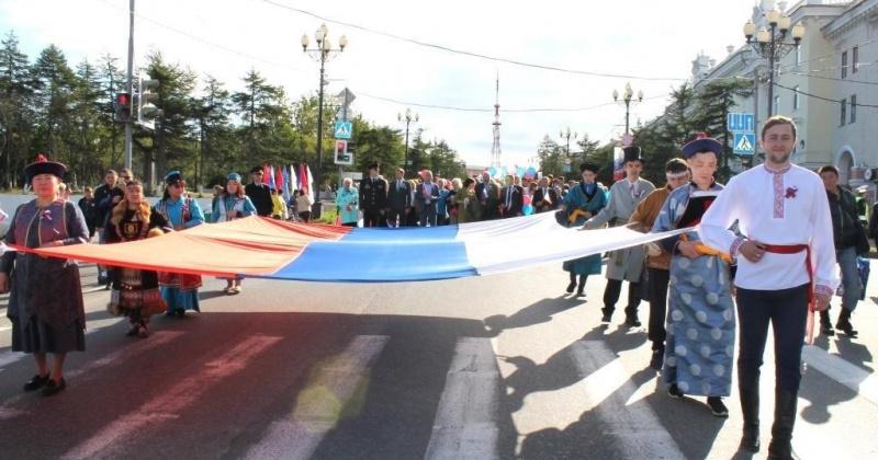 Праздничное шествие ожидается в Магадане в честь дня флага России