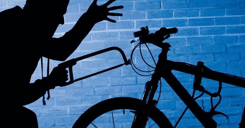 Два дорогих велосипеда украли на этой неделе у двух жительниц Магадана