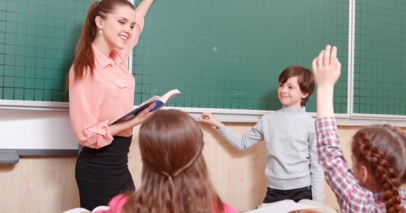 Повышение зарплат российским учителям пропишут в законе