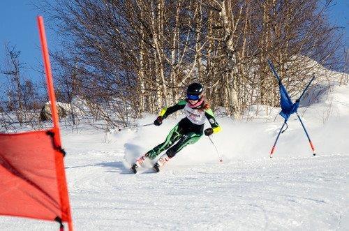 Русская горнолыжная школа приглашает желающих магаданцев научиться кататься
