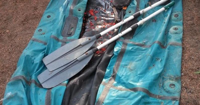 Кижуч в количестве 52 экземпляров,  плавсредство и запрещенное орудие лова изъяты у браконьеров