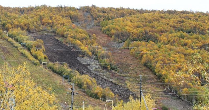 Завершён монтаж нового подъемника на склоне «Русской горнолыжной школы – Магадан»