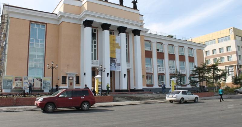 Спектаклем «Делец» откроет сезон Магаданский государственный музыкальный и драматический театр