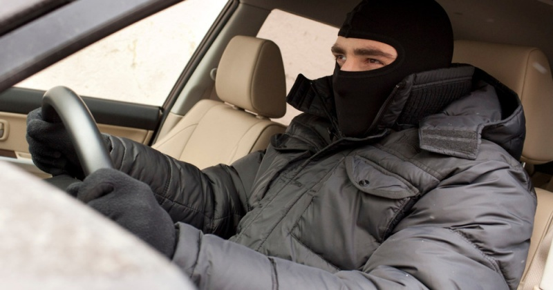 В текущем году на территории Магаданской области совершено 10 краж из автомобилей и 44 угона транспортных средств