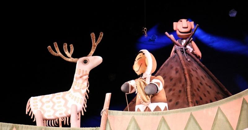 Премьерой «Олень-золотые рога» магаданский театр кукол открыл 39-й театральный сезон