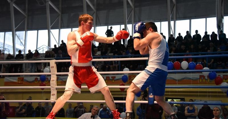 Ежегодный турнир по боксу памяти заслуженного тренера России Евгения Бурмистрова стартует завтра в Магадане