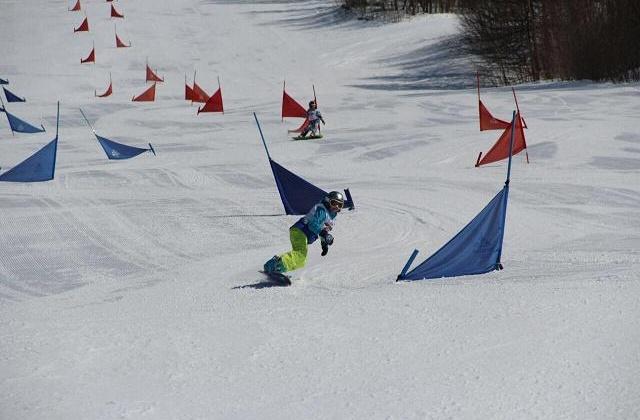 На отделении сноуборда в РГШ-Магадан занимается около 200 учащихся