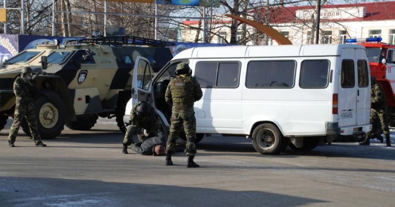 """""""Террористы"""" захватили заложников в здании администрации Хасынского городского округа"""