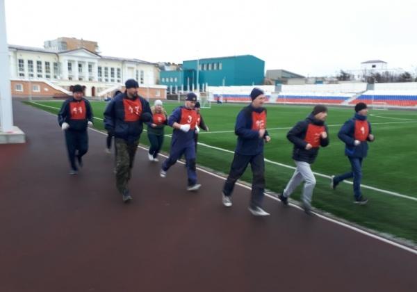 Магаданские спасатели сдали ежемесячные зачеты по физической подготовке