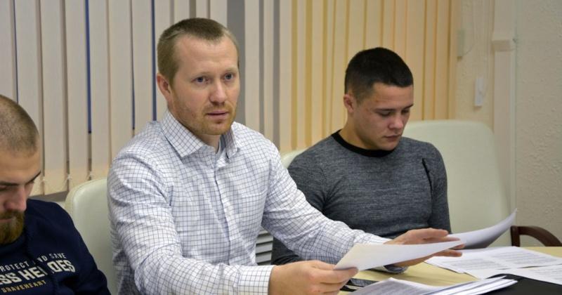Законодательные инициативы о квотировании рабочих мест и полной выплаты процентной надбавки к зарплате для молодежи обсудила комиссия Молодежной общественной палаты