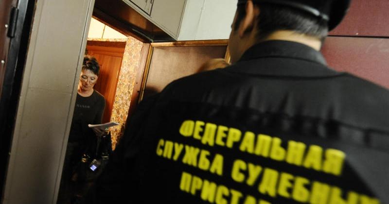 За неуплату налогов муниципальное предприятие лишилось  автогидроподъемника и бульдозера