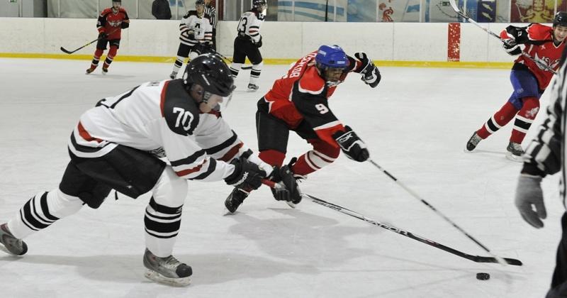 В Магадане продолжается городской чемпионат по хоккею с шайбой