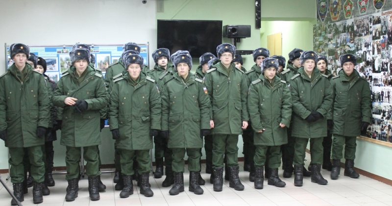 На защиту Родины отправились 23 юных магаданца