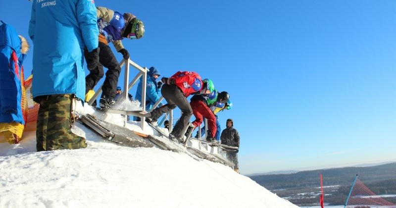 Третье место заняла магаданка Александра Паршина на первом этапе Кубка России по сноуборду