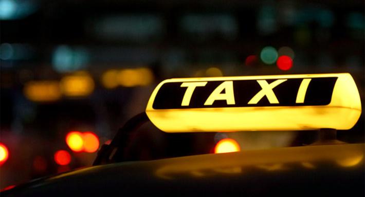 Тематическая «горячая линия» по услугам такси работает в магаданском Роспотребнадзоре