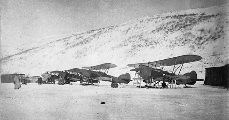 86 лет назад (1933) на ледовом аэродроме в бухте Нагаева приземлился самолет Ю-13 пилота И.П. Мазурука