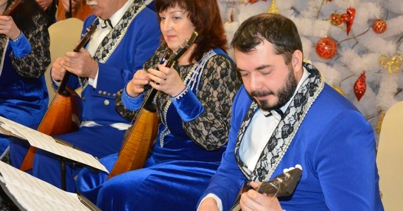 В Магаданской областной библиотеке имени А. С. Пушкина прошел концерт Магаданского русского оркестра