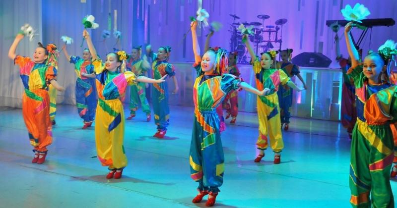 Продолжается прием заявок на XIV городской конкурс молодых исполнителей эстрадной песни и танца «Звездопад»