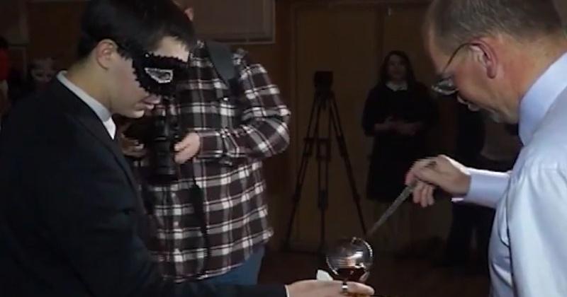 Ароматный крюшон отведают студенты Северо-Восточного государственного университета