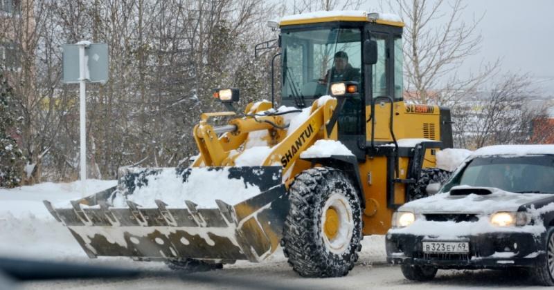 Проезжие части улиц Берзина и Кольцевой ограничат сегодня для движения транспорта в течение дня