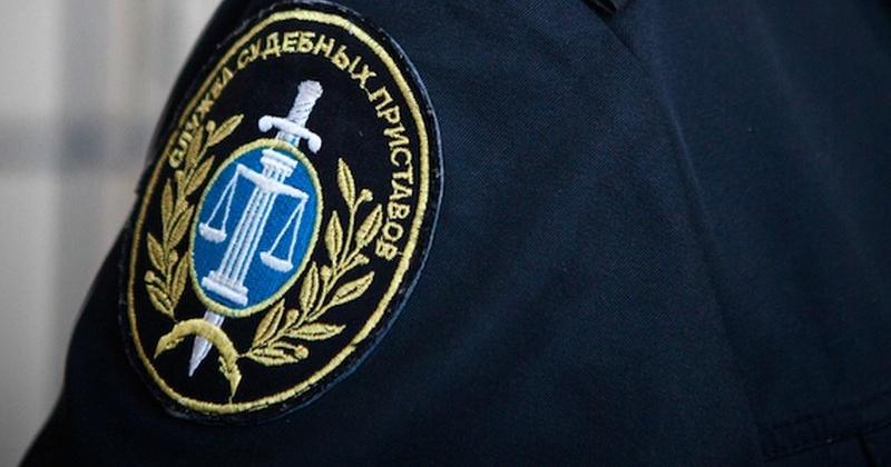 Гаражный бокс и автозапчасти, принадлежащие магаданскому предпринимателю, подверглись аресту в счет погашения налоговой задолженности