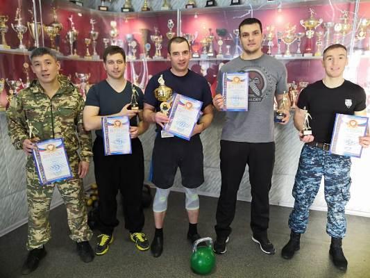 Самые сильные гиревики служат в Магаданском УФСИН