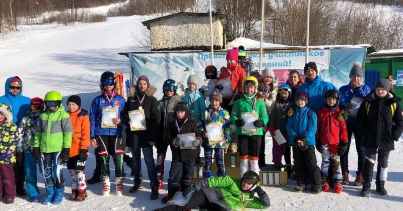 День защитника Отечества юные горнолыжники Магадана отметили соревнованиями