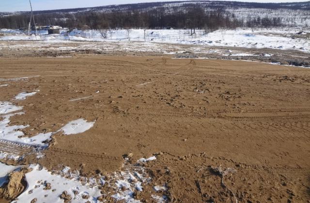 Владелец земельного участка сливал навоз на землю
