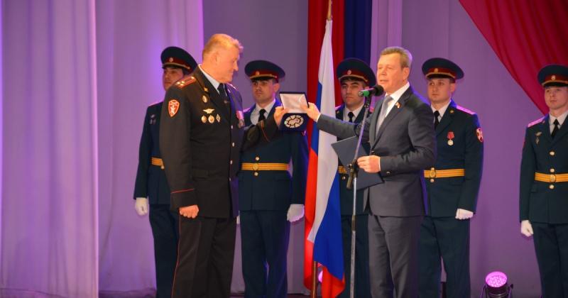 С Днем войск национальной гвардии РФ поздравил служащих Сергей Абрамов