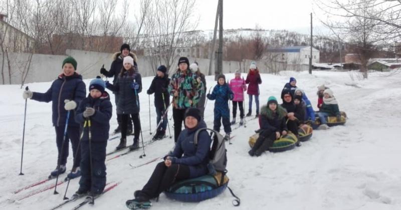 Сергей Смирнов помог организовать выезд воспитанников клубов по месту жительства на лыжную прогулку
