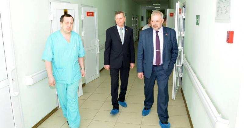 К Всемирному дню здоровья Андрей Зыков рассказал, что делает заксобрание региона для повышения качества и доступности медицинских услуг колымчанам
