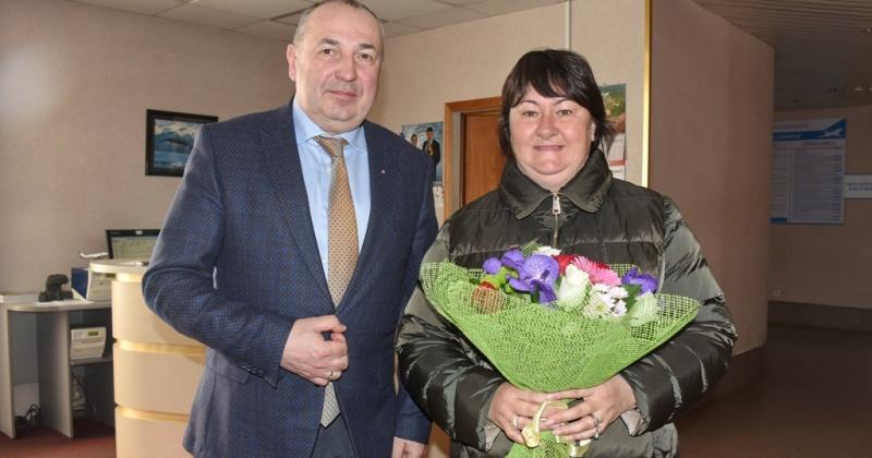 В Магадан прибыла прославленная спортсменка Елена Вяльбе