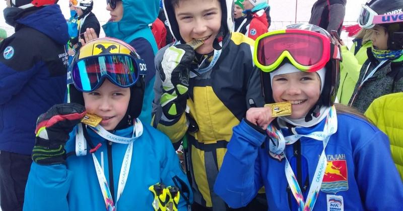 Шесть золотых медалей привезли магаданские горнолыжники со всероссийских соревнований