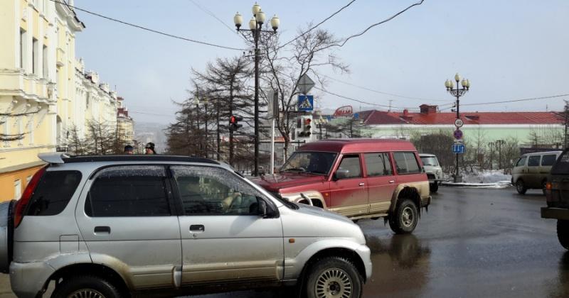 Правительство Магаданской области сможет определять методику расчета размера платы за пользование платными парковками