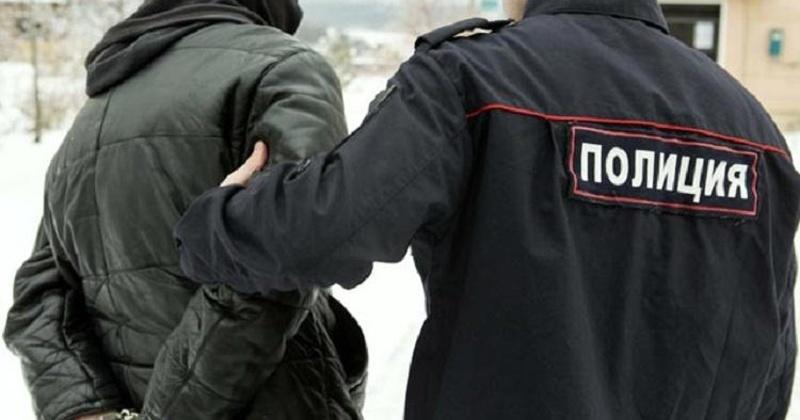 Полицейскими патрульно-постовой службы в Магадане задержан мужчина, совершивший кражу из квартиры