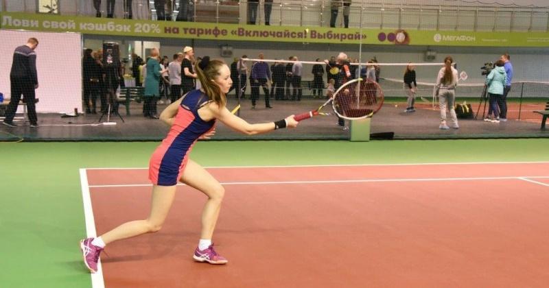 Заниматься бадминтоном, большим теннисом, волейболом и мини-футболом смогут магаданцы в «Территории Спорта» (Фоторепортаж)