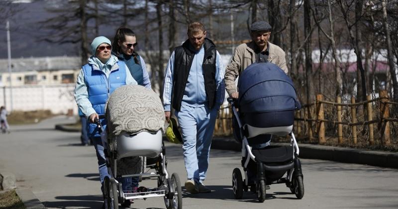 На дополнительные выплаты в связи с рождением детей могут рассчитывать около 350 колымских семей