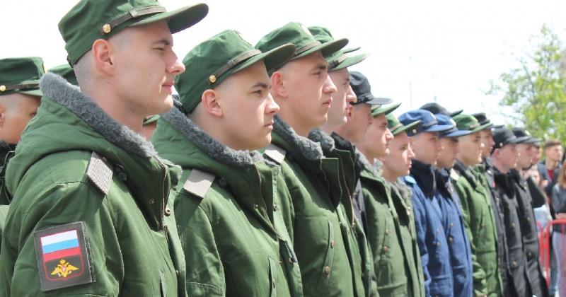 Почти 140 магаданцев призовут в ряды Вооружённых сил этим летом