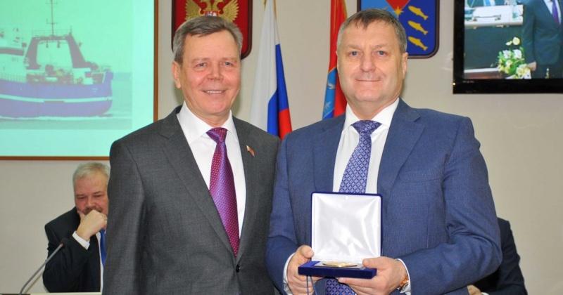 Сергей Абрамов поздравил Михаила Котова с юбилеем